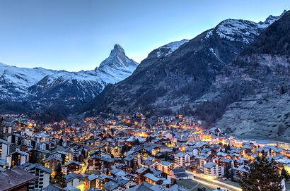 Mit dem Glacier Express nach Zermatt