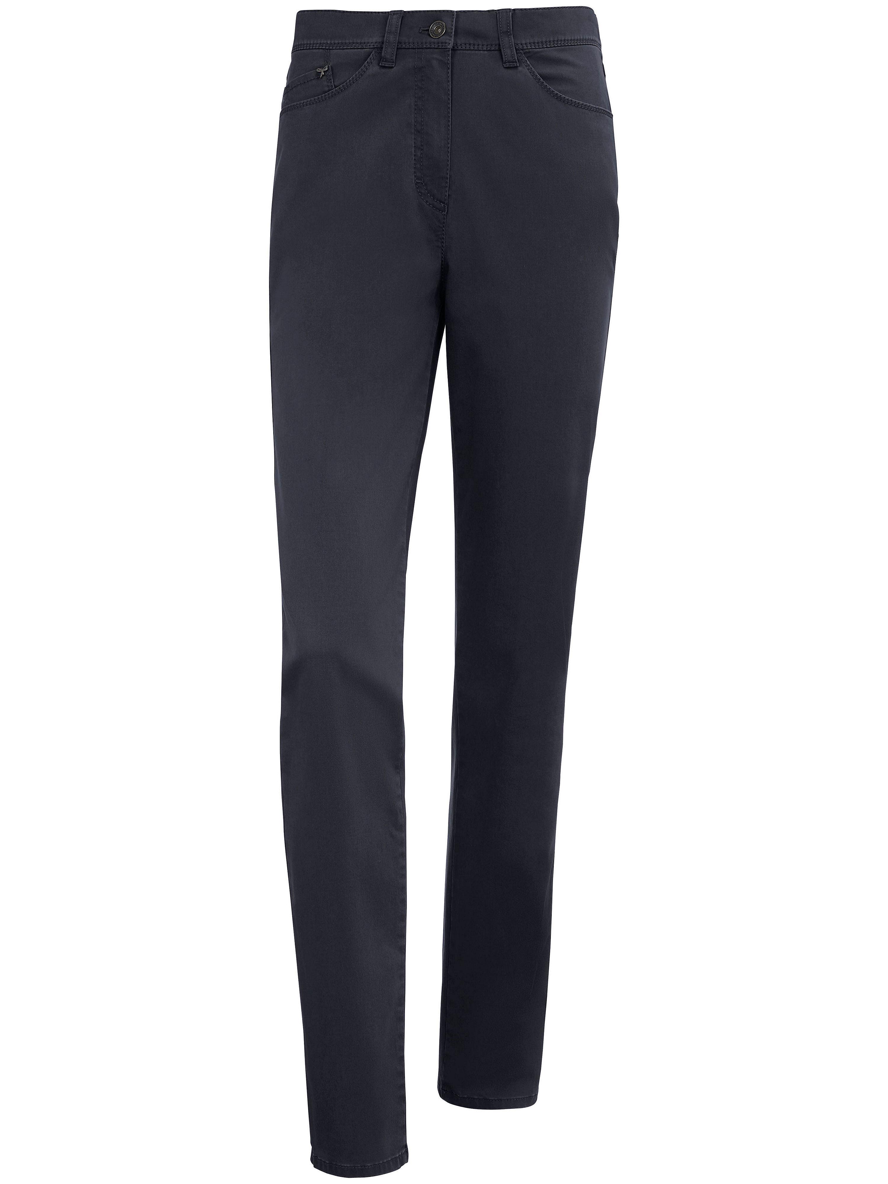 Le pantalon ProForm S Super Slim, modèle Laura  Raphaela by Brax bleu taille 50