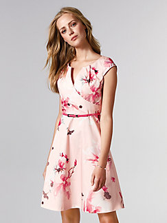 Wo kann man in berlin festliche kleider kaufen