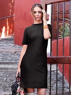 Schwarzes kleid mit halbem arm