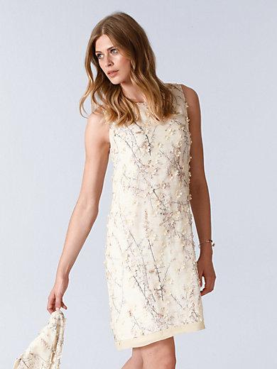Ana Alcazar - La robe