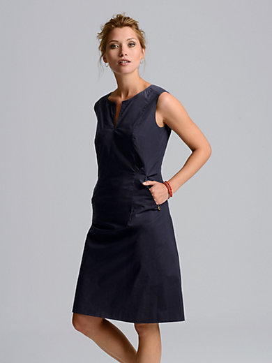 Bogner - La robe sans manches, ligne cintrée