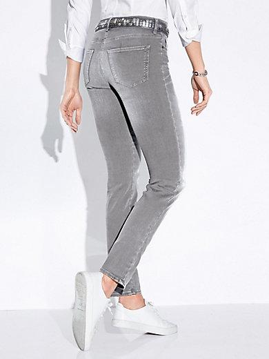 19ba240738064 Le jean Slim Fit, modèle Shakira, coupe slim. + Aller à la tenue. Brax Feel  Good ...