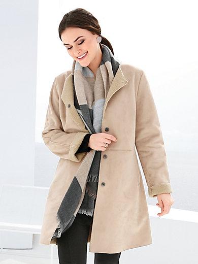 Emilia Lay - Mantel