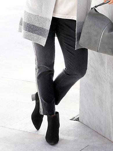 Emilia Lay - Nilkkapituiset farkut