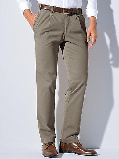 Le pantalon à pinces modèle Luis. Eurex by Brax ...