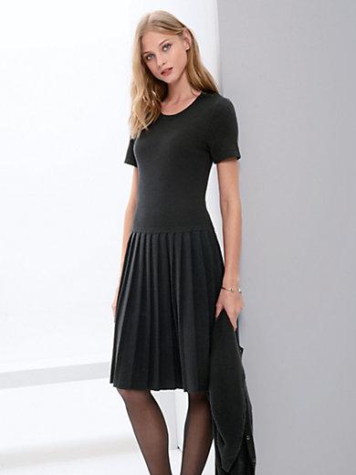 Fadenmeister Berlin - Stickad klänning i ren kashmir