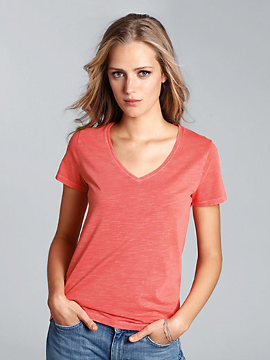 GANT - V neck top with short 1/2-length sleeves