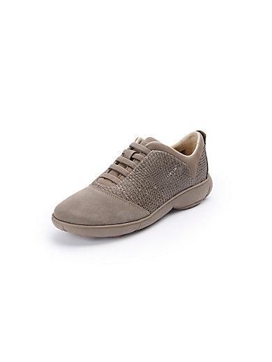 Les sneakers en cuir velours, modèle Nebula Geox beige