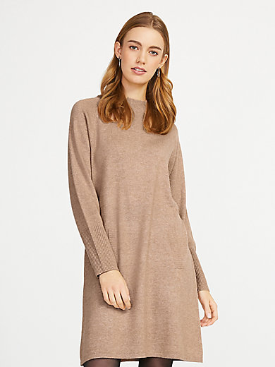 include - Knitted dress is 100% cashmere