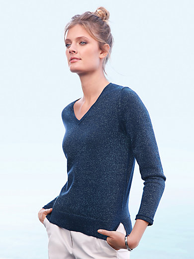 include - V-neck jumper