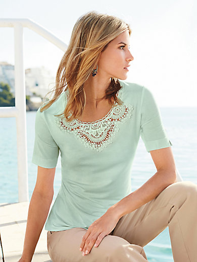 Peter Hahn - Round neck top with short, vented sleeves