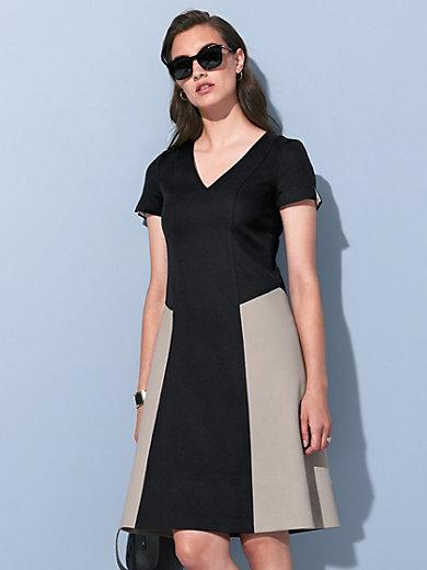 Strenesse - La robe à manches courtes