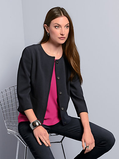 Strenesse - La veste, ligne courte et carrée, manches 3/4