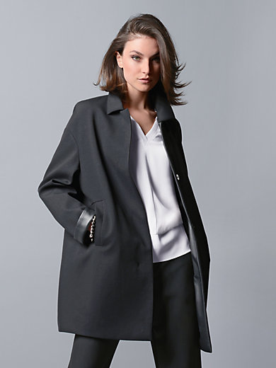 "Strenesse - Short coat in an ""egg shape"" silhouette"