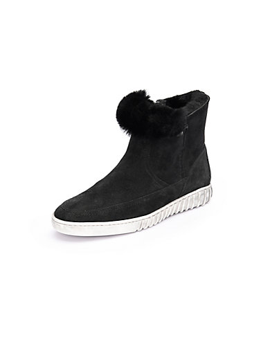 Theresia M. - Ankle boots