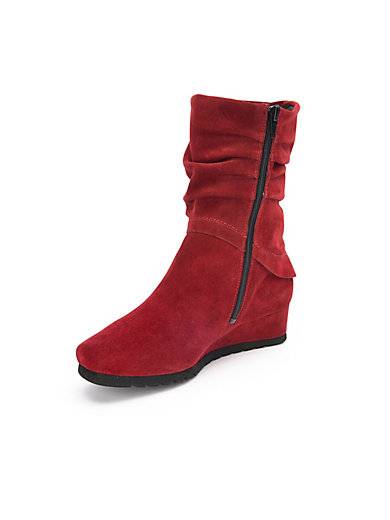 Theresia M. - Boots Harriet
